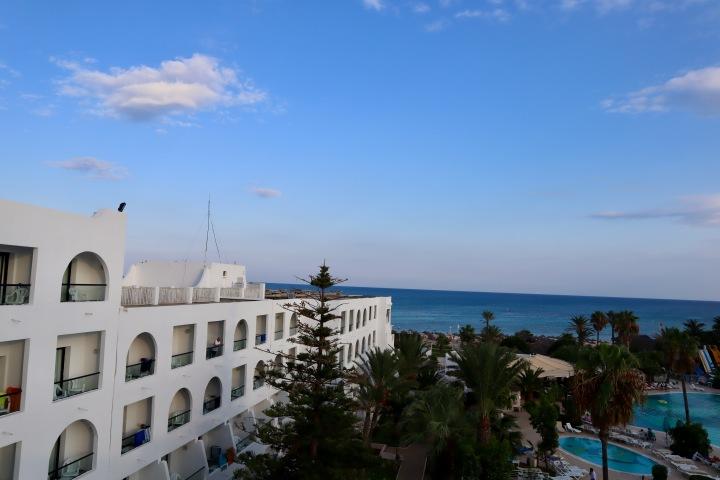 Nohza-Beach-Hotel.jpg